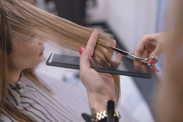 Expose Your Personality with Style by Perfect Haircut and Color